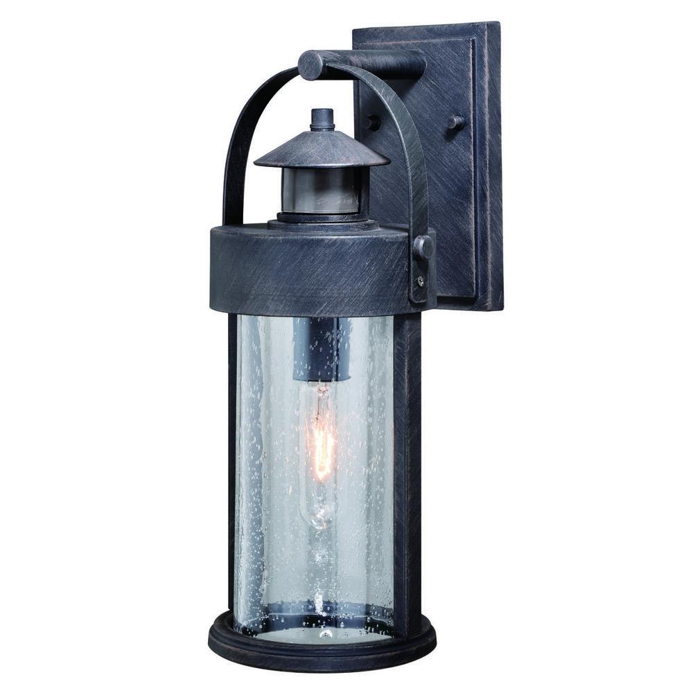 T0384 Berland Outdoor Wall Light